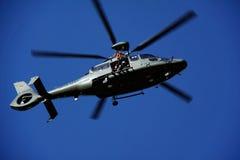 Onderzoek en Reddings Opleiding met een helikopter Stock Foto's