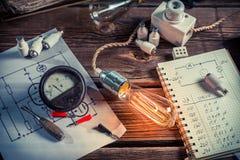 Onderzoek met betrekking tot elektriciteit stock foto