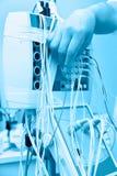 Onderzoek van de stroom van het hersenenbloed met rheoelectroencephalograph Stock Fotografie