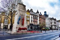: onderzoekend Londen dat ik aan de abdij heb gelopen stock fotografie