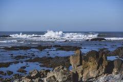 Ondes chez l'Océan Atlantique Image stock