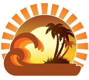 Ondes, coucher du soleil, île tropicale Photos stock
