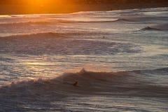 Ondes d'océan en Californie méridionale Images stock