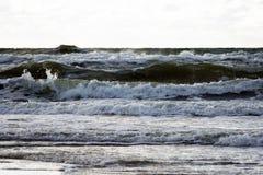 Ondes de la mer Photographie stock libre de droits