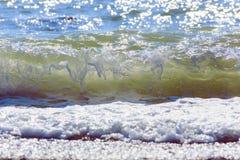 Ondes de mer Mer arrière, Crimée Images stock