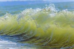 Ondes de mer Mer arrière, Crimée Photos stock