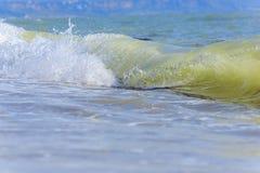 Ondes de mer Mer arrière, Crimée Photo stock