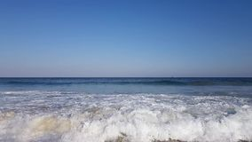 Ondes sur la plage clips vidéos