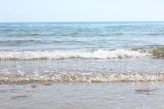 Ondes sur la plage Photo libre de droits