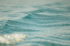 Ondinhas da água azul foto de stock royalty free