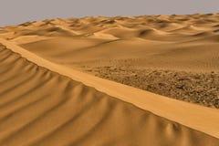 Ondinhas de Sahara Desert em Tunísia fotografia de stock