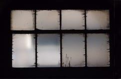 Ondoorzichtig venster donker kader stock afbeeldingen