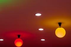 Onduidelijk beeld: Kleurrijke verlichting op Achtergrond en texturenmuur Stock Foto