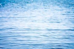 Onduidelijk beeld mooi glanzend fonkelend tropisch blauw overzees strand, Royalty-vrije Stock Afbeeldingen