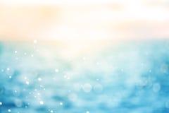 Onduidelijk beeld mooi glanzend fonkelend tropisch blauw overzees strand, Fr Royalty-vrije Stock Foto