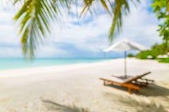 Onduidelijk beeld van rustige strandscène Onscherp exotisch tropisch strandlandschap voor achtergrondbehang Ontwerp van de vakant stock foto