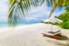 Onduidelijk beeld van rustige strandscène Onscherp exotisch tropisch strandlandschap voor achtergrondbehang Ontwerp van de vakant stock afbeeldingen