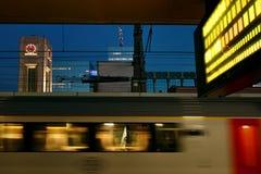 Onduidelijk beeld van trein, Brussel, België Stock Fotografie