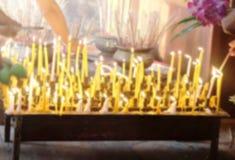 Onduidelijk beeldachtergrond van kaarsen Royalty-vrije Stock Afbeelding