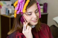 Ondulação do cabelo da mulher fotos de stock