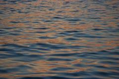 Ondulación en el fondo del agua Imagen de archivo libre de regalías