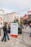 Ondulación permanente, Rusia - 9 de mayo 2016: Gente en una exposición Imágenes de archivo libres de regalías