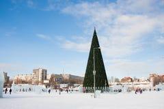 ONDULACIÓN PERMANENTE, Rusia, febrero, 06 2016: Ciudad helada del ` s del Año Nuevo Imagen de archivo libre de regalías
