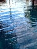 Ondulación superficial de la piscina Foto de archivo