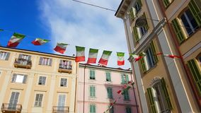 Ondulation de drapeaux de l'Italie clips vidéos