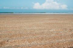 Ondule la arena en la playa después de marea baja Imagen de archivo