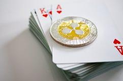 Ondulez la marque de XRP sur la plate-forme de jouer des cartes photo stock