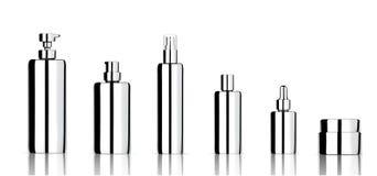 Onecht omhoog Realistisch Metaal Kosmetisch die Zeep, Shampoo, Room, Oliedruppelbuisje en Nevelflessen voor Skincare-Product met  royalty-vrije illustratie