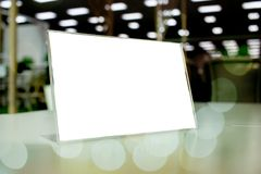 Onecht omhoog wit Etiket voor leeg menukader in de koffie van het Barrestaurant Royalty-vrije Stock Afbeelding
