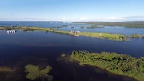 Onega sjö och Kizhi ö i Karelia - flyg- sikt Arkivfoto