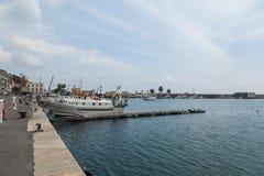 Oneglia五颜六色的房子和港口,统治权意大利 库存图片