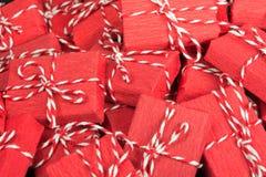 Oneindige berg van rode giftdozen Royalty-vrije Stock Foto's