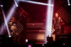 OneRepublic realiza vivo en la arena de MEO el 21 de noviembre de 2014 en Lisboa, Portugal Imagen de archivo libre de regalías