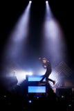 OneRepublic utför direkt på MEO-arenan på November 21, 2014 i Lissabon, Portugal Arkivbild