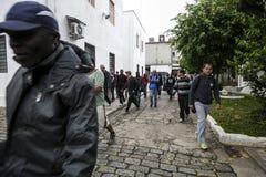ONG Sermig - everyone opuszcza w ranku Brasil, San - Paolo - zdjęcia royalty free