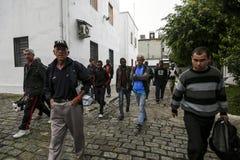 ONG Sermig - everyone opuszcza w ranku Brasil, San - Paolo - zdjęcia stock