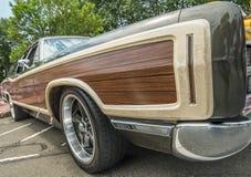 Ongebruikelijk uitstekend auto houten paneel Stock Foto's