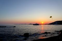 Ongelooflijke de zomerzonsondergang in Griekenland royalty-vrije stock foto's