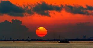 Ongelooflijke zonsondergang over Yangtze-Rivier royalty-vrije stock foto's