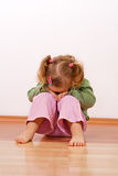 Ongelukkig babymeisje royalty-vrije stock fotografie