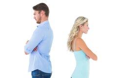 Ongelukkig paar die aan elkaar spreken niet Royalty-vrije Stock Foto's