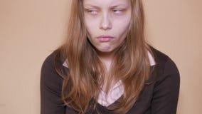 Ongelukkige droevige tiener 4k UHD stock video