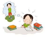 Ongelukkige en vermoeide jongen die voor schoolexamen voorbereidingen treffen, het schrijven thuiswerk, droevig voelen en het dro royalty-vrije stock afbeelding