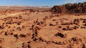 Ongeluksboden in het Park van de Staat van de Koboldvallei, Utah, Verenigde Staten Woestijn Ongeluksboderotsen langs de woestijn  stock footage