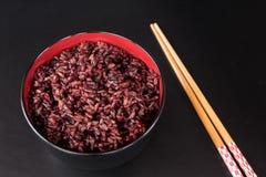 Ongepelde rijst in de kom Royalty-vrije Stock Fotografie
