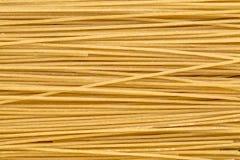Ongepelde rijstdeegwaren, spaghettistijl Stock Foto's